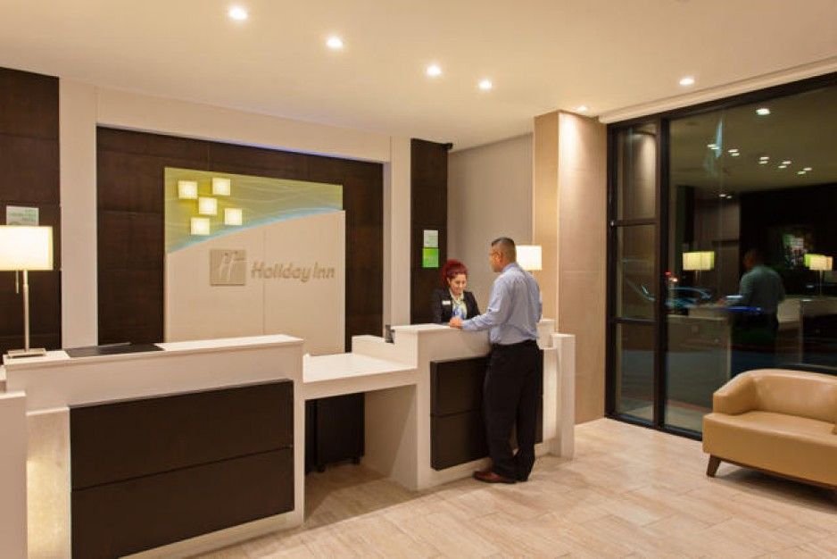 Hotel Front Desk - Los Angeles